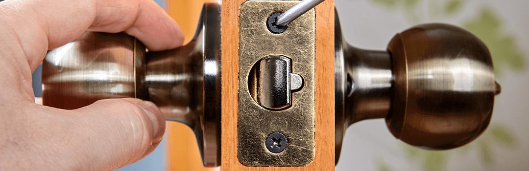 Doorknob latch on a wooden internal door