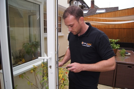 Keytek locksmith replacing UPVC door lock