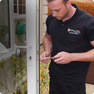 keytek locksmiths fixing upvc patio door