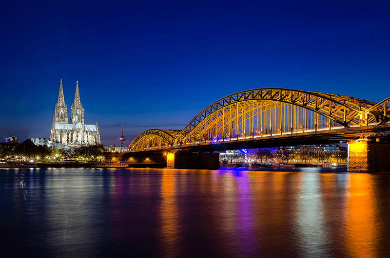 cologne germany bridge at night