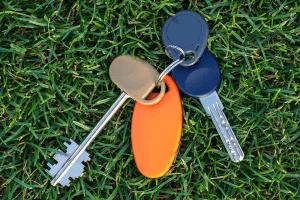 lost keys on ground